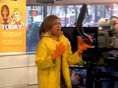 Kathie Lee and Hoda try their hands at fish flinging - KLG and Hoda