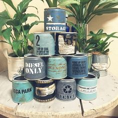 Decor Crafts, Diy And Crafts, Metal Barrel, Metal Containers, American Houses, Vintage Box, Bathroom Art, Mason Jar Diy, Hanging Baskets