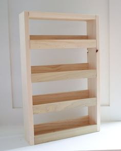 DIY Wall Spice Rack – Angela Marie Made - argon. Spice Rack Plans, Build A Spice Rack, Wall Spice Rack, Wall Mounted Spice Rack, Diy Spice Rack, Kitchen Spice Racks, Spice Shelf, Diy Wood Projects, Woodworking Projects