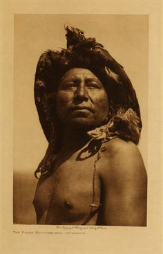 Native American Tribe Apsaroke  Eagle Medicine Man  E.S. Curtis, 1909_Photographer