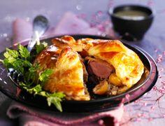 Feuilletés de pigeon aux mirabelles et au foie gras Voir la recette des Feuilletés de pigeon aux mirabelles et au foie gras