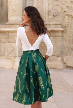 """""""We have collected the most attractive skirt ideas that can give you a very classy look. Our selected skirt ideas for you can be a great way to show off your class. Hope you will choose something hot from here. Feel free to check them out! Classy Outfits, Stylish Outfits, Fashion Outfits, Casual Bridesmaid Dresses, Casual Dresses, Prom Dresses With Pockets, Dresses With Sleeves, Estilo Lady Like, Green Dress Outfit"""