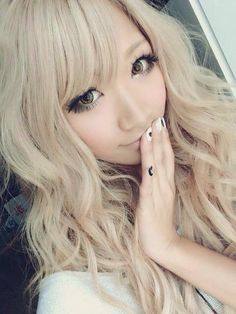 Gyaru style with circle lenses   ====== Get your big eyes lenses here > http://www.uniqso.com/big-eyes-circle-lenses  ====== #Gyaru #CircleLenses #ColorContacts
