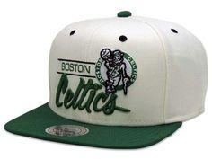 Boné Mitchell   Ness Snapback NBA Boston Celtics Branco-Verde 905bdefacab