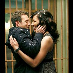Hodgins and Angela - Bones My favorite couple of the show. Even more than Bones and Booth. Could really do without Daisy and Sweets! John Francis Daley, Bones Serie, Bones Tv Series, Bones Tv Show, Fox Series, Emily Deschanel, David Boreanaz, Booth And Bones, Booth And Brennan