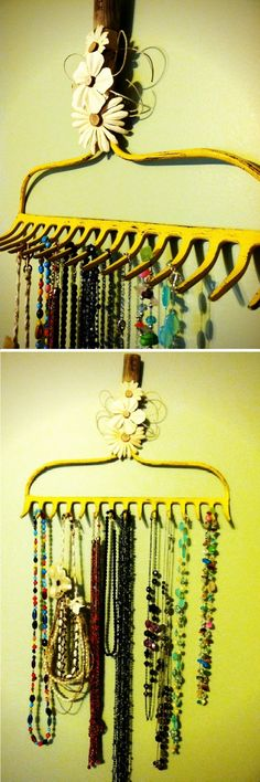rake head jewelry holder-I'm totally doing this!I have an old rake head just like this! Rake Jewelry Holder, Jewelry Hanger, Jewellery Holder, Diy Jewelry, Hanging Jewelry, Funky Jewelry, Unique Jewelry, Eco Deco, Necklace Hanger