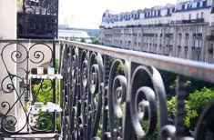 Aménager son balcon la table d'angle DIY balcon haussmannien paris 5 immeuble 5 eme etage decoration idée diy bricolage table d'angle - Photo Credit ClemAroundTheCorner.com