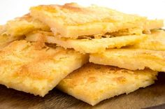 Chef Joshna shares a classic northern Italian flatbread recipe thats delicious, versatile and naturally gluten free! Use the best quality olive oil you can get your hands on, and experiment with different herbs. Rosemary is the classic, but oregano and. Italian Flat Bread Recipe, Italian Recipes, Veggie Recipes, Gluten Free Recipes, Cooking Recipes, Low Carb Quiche, Flatbread Recipes, Crepes, Love Food