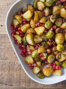 Roasted Maple Sprouts with Hazelnuts - Deliciously Ella - Vegan Christmas Recipe Veggie Christmas, Vegan Christmas Dinner, Xmas Food, Christmas Cooking, Christmas Side, Xmas Dinner, Thanksgiving Side Dishes, Thanksgiving Recipes, Christmas Recipes