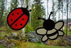 Askartelijan idealaari: Silkkipaperileppäkerttu ja -ampiainen