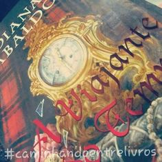 """Tag Doenças Literárias - Dia 7 - Má Nutrição: Um livro que você esqueceu de comer para ler. Aqui no @caminhandoentelivros não chegamos a ficar sem comer, pois como diz o ditado """"saco vazio não fica em pé"""" e nem lê livros, né?....rsrsrs. Mas a leitura de """"Outlander- A Viajante do Tempo"""" da autora """"Diana Gabaldon""""(resenha já postada por nós), foi tão frenética que uma de nós """"devorou"""" o livro em menos de uma semana! E olha que a versão da Editora Rocco tem quase 800 páginas! E vocês literários…"""