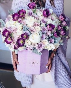 Ideas For Flowers Bouquet Box Valentines Day Flower Bouquet Boxes, Beautiful Bouquet Of Flowers, Flower Bouquet Wedding, Floral Bouquets, Flower Delivery Service, Luxury Flowers, Flowers Online, Flower Designs, Tulips