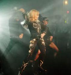 "Kylie Minogue ""Dancing"" Video"