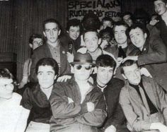 Specials x Madness The greatest picture I've ever laid eyes on in my life, truly british, truly retro and they made those Shit time just about tolerable 😎 Ska Music, Ska Punk, One Step Beyond, Acid House, Teddy Boys, Rude Boy, The Monkees, Northern Soul, Skinhead