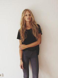 Loose black Tee + Jeans