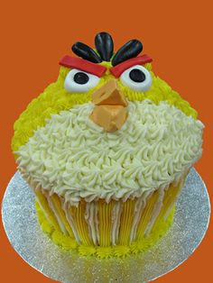 Angry Birds Giant Cupcake Mould, Big Cupcake, Giant Cupcakes, Cupcake Ideas, Cupcake Cakes, Cake Decorating, Decorating Ideas, Angry Birds, Original Recipe