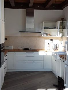 Kuchyně Kitchen Cabinets, Inspiration, Home Decor, Biblical Inspiration, Decoration Home, Room Decor, Cabinets, Home Interior Design, Inspirational