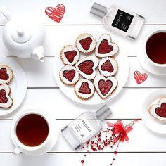 Prouve Global (@prouve_global) • Instagram-fényképek és -videók Perfume Bottles, Fresh, Tea, Chocolate, Desserts, Instagram, Food, Products, High Tea
