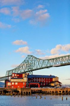 Why You Should Stay at the Cannery Pier Hotel Astoria Oregon // http://localadventurer.com