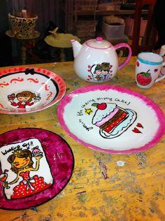 voorbeelden om te schilderen op borden - Google zoeken Ceramic Painting, Elsa, Crafts For Kids, Decorative Plates, Tableware, Google, Home Decor, Pottery Plates, Day Planners