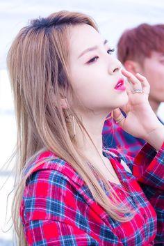 K Pop, Kpop Show, Kard Bm, Dsp Media, Japanese Girl Group, Korean Music, Music Bands, Pop Group, Korean Girl