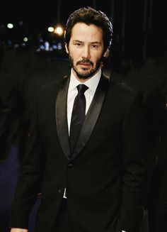 Keanu Reeves ~ His kindness and thoughtfulness is legendary Keanu Reeves John Wick, Keanu Charles Reeves, Chuck Norris, Bruce Willis, Keanu Reeves Quotes, Keanu Reaves, Hollywood Men, My Sun And Stars, Mel Gibson