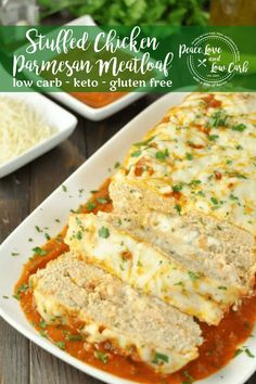 This Stuffed Chicken Parmesan Keto Meatloaf is rich, cheesy, keto comfort food, sure to become a new favorite for everyone. Lasagna and chicken parm in one! Meatloaf Recipes, Meat Recipes, Low Carb Recipes, Healthy Recipes, Meatball Recipes, Chicken Parmesan Meatloaf, Chicken Parmesan Recipes, Chicken Broccoli