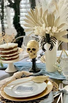 Check out this creepy Halloween party! The rustic table settings are so impressive! See more party ideas and share yours at CatchMyParty.com #catchmyparty #partyideas #halloween #halloweenparty #halloweentablesettings Halloween Bingo Cards, Creepy Halloween Party, Halloween Countdown, Halloween Party Favors, Halloween Photos, Halloween Cupcakes, Halloween Activities, Family Halloween, Halloween Treats