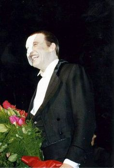 Michael Crawford at his final curtain call for Phantom of the Opera on Broadway