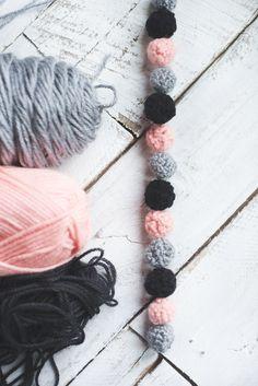 Lovely little crochet ball garland with pattern