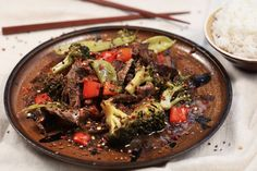 How to make slow cooker beef broccoli (video)
