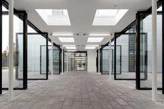 Gläserner Verbindungsgang - Institutsgebäude Deutsches Zentrum für Luft- und Raumfahrt