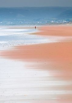 Biville, Normandie, France / human alone at the beach Places To Travel, Places To Visit, Magic Places, Belle France, Foto Instagram, Sea And Ocean, Belle Photo, Beautiful Beaches, Beautiful World