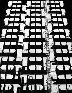 "Housing complex ""Manhattan"", Plac Grunwaldzki, Wrocław, Poland, built (1968-73) architect: Jadwiga Hawrylak-Grabowska"