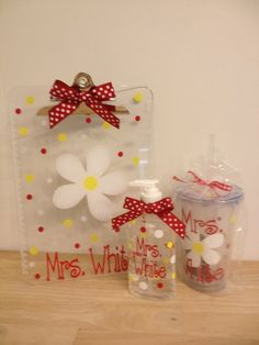 Gift set Personalized with name Acrylic clipboard, Hand Sanitizer bottle, and Tumbler Silhouette Cameo, Silhouette Projects, Silhouette Machine, Circuit Crafts, Circuit Projects, Vinyl Gifts, Cricut Creations, Teacher Appreciation Gifts, Craft Gifts