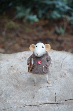 Little Reader Mouse   Felting Dreams by feltingdreams on Etsy, $88.00