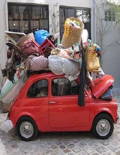 fiat 500 ready to go! Teacher Interviews, Fiat 600, Living In Italy, Small Cars, Italian Style, Shoe Box, Transportation, Funny Pictures, Africa