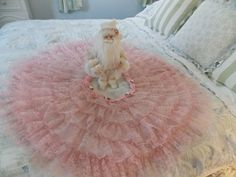 SHABBY CHRISTMAS CHIC VINTAGE PINK LACE & ROSE TRIMMED CHRISTMAS TREE SKIRT