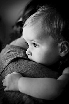Photography: The most beautiful pictures of love - Familienfotos Ideen & Familienleben Photo Bb, Jolie Photo, Children Photography, Newborn Photography, Family Photography, Face Photography, Photography Lighting, Mother Baby Photography, Photography Music