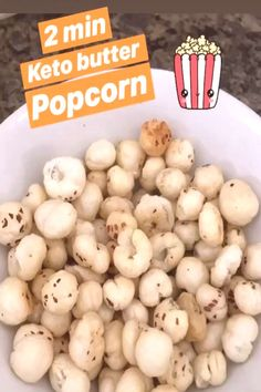 Here is a quick snack to make up for lost popcorn! Replace butter with olive oil/vegan… No Sugar Snacks, No Sugar Diet, Snacks To Make, Quick Snacks, Olive Oil Vegan, Garlic Herb Butter, Butter Popcorn, Vegan Butter, Keto