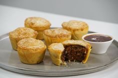 For real Australian flavour, add Vegemite to these mini beef pies. They're the perfect size for family entertaining. Flaky Pastry, Shortcrust Pastry, Savory Pastry, Beef Chuck Steaks, Just Pies, Fairy Bread, Beef Pies, Frozen Puff Pastry, Pie Recipes
