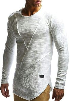Men's Best Streetwear Hoodies and Sweatshirts for 2018 Finding the perfect streetwear hoodie and sweatshirts to wear in 2018 won't be an easy task. It's a new year and there are new fashion trends that [. Mode Man, Herren Outfit, Inspiration Mode, Men Street, Mens Fashion, Fashion Trends, Fashion Styles, Street Fashion, Fashion Tips