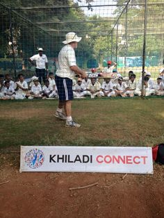 Brad Murphy coaching the young khiladis' at the ‪#‎Cricket‬ Summer Camp at Don Bosco ‪#‎Matunga‬...