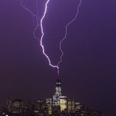 Two Bolts of Lightning Strike One World Trade Center (INSIDER IMAGES/Gary Hershorn)