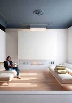 absolute perfection — love the flat blue/grey ceiling with white walls: