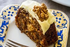 No-fail carrot cake.This cake is moist and full of luscious spices. The secret is to ensure you drain the crushed pineapple properly. Put it into a sieve over a jug and push down with a wooden spoon. No Bake Treats, No Bake Desserts, Homemade Cream Cheese Icing, Cake Recipes For Kids, Icing Recipes, Icing Ingredients, Different Cakes, Something Sweet, Carrot Cake