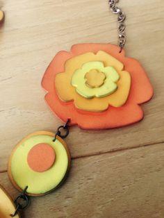 Nella valigia della Buru: Tutorial fiori in fommy: come modellare la gomma crepla . Con cartamodello stampabile