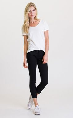 The RVCA Label Pippi tee is the perfect everyday basic