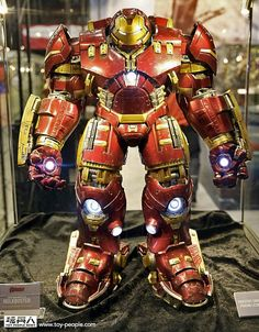 Hot Toys' Iron Man Hulkbuster Could Be the Greatest Action Figure Ever http://toyland.gizmodo.com/hot-toys-iron-man-hulkbuster-could-be-the-greatest-acti-1673127063