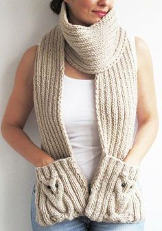 Stricken Ecru Owl Scarf With Pockets, Crochet Scarves, Crochet Shawl, Crochet Clothes, Hand Crochet, Knit Crochet, Knitting Blogs, Loom Knitting, Knitting Socks, Crochet Designs